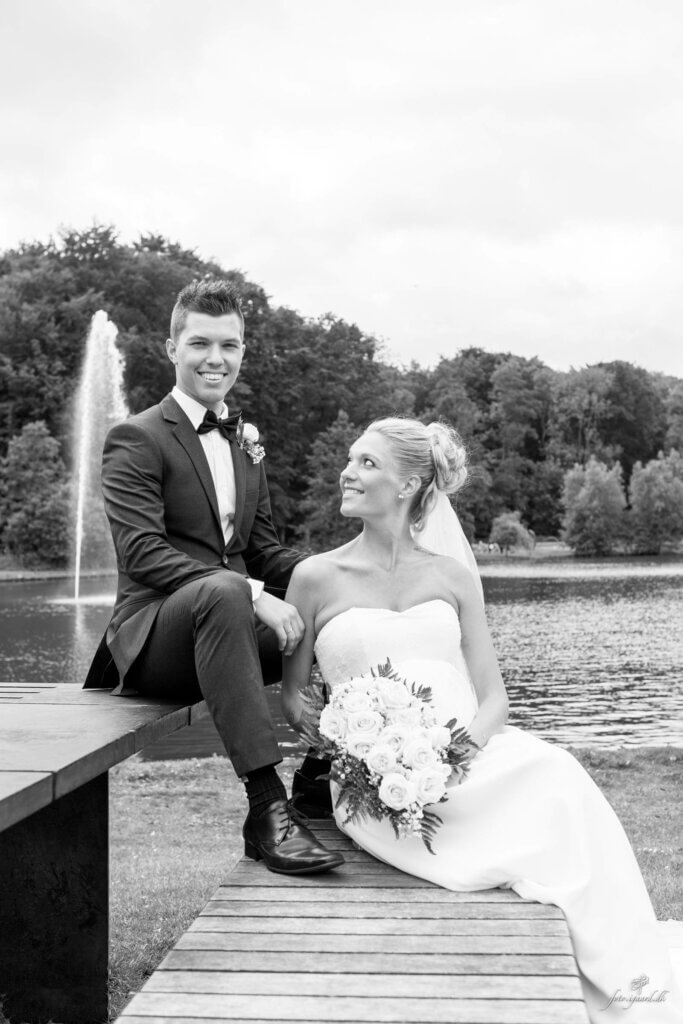 Bryllupsfotograf til bryllup ved Skovsøen i Odense, Bryllups fotograf, Bryllups fotograf Odense, Bryllups fotograf Rungsted, Trash the dress fotograf, fotograf bryllup, tivoli nimb wedding photographer