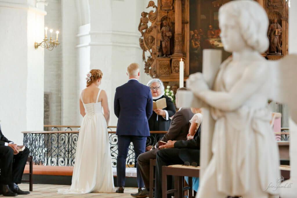 Bryllupsfotograf til bryllup i Assens, Bryllups fotograf, Bryllups fotograf Odense, Bryllups fotograf Rungsted, Trash the dress fotograf, fotograf bryllup, tivoli nimb wedding photographer
